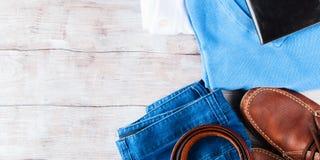 Skor för livsstil för kläder för man` s sänker lekmanna- Royaltyfria Bilder