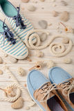 Skor för sommar för kvinna` s för strand semestrar arkivbild