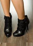 Skor för trendiga kvinnor i kontoret Royaltyfri Fotografi