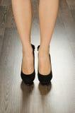 Skor för trendiga kvinnor i kontoret Royaltyfria Bilder