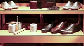 Skor och tillbehör för äktt läder Fotografering för Bildbyråer