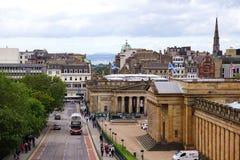 Skotsk National Gallery och den kungliga skotska akademin, Edinburg, Skottland Arkivbilder