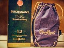 Skotsk whisky för kronakunglig person- och Buchanan ` s Arkivfoton