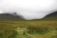 skotska dimmiga högland Royaltyfri Bild