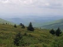 Skotska högländerna om Virginia bergmoln royaltyfri bild