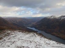 Skotska kullar i vinter Arkivfoton