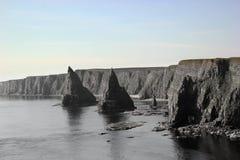 Skotska kust- buntar och klippor fotografering för bildbyråer
