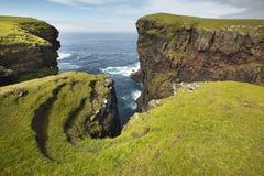 Skotskt kustlinjelandskap i Shetland öar scotland UK Royaltyfri Bild