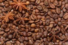 Skott för makro för stjärnaanis och för kaffebönor Arkivfoton
