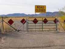 Skott för sned boll för Phoenix Arizona ökenväg stängt Fotografering för Bildbyråer