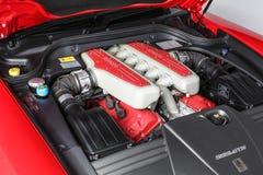 Skott för studio för bakgrund för Ferrari 599 GTB Fiorano motorfjärd isolerat vitt arkivbilder