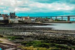 Skottland Edinburg, norr Queensferry, framåt järnvägsbro royaltyfri bild