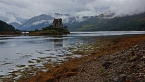 Skottland: Eilan Donan Castle royaltyfria foton
