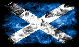 Skottland rökflagga på en svart bakgrund arkivbilder