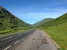 Skottland vägar i sommaren Fotografering för Bildbyråer