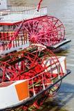 Skovelhjul av en gammal sternwheeler Arkivbilder