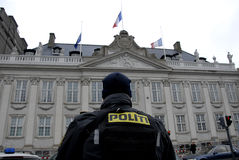 SKRÄCK SOM ANFALLAS I PARIS_COPENHAGEN DANMARK royaltyfri foto