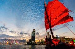 Skräpfartyg i Hong Kong royaltyfria foton