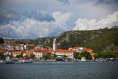 Skradin is een kleine historische stad in Kroatië Royalty-vrije Stock Fotografie