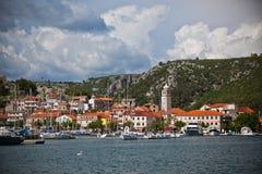 Skradin es una pequeña ciudad histórica en Croacia Fotografía de archivo libre de regalías