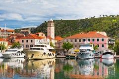 Skradin est une petite ville historique en Croatie image libre de droits