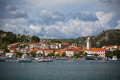 Skradin est une petite ville historique en Croatie photo libre de droits