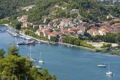 Skradin - kleine Stadt auf adriatischer Küste Stockbilder