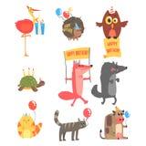 Skraj djur med partiattribut på uppsättningen för beröm för lycklig födelsedag för ungar av tecknad filmfaunatecken stock illustrationer