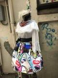 Skraj rolig lady'sdräkt på en skyltdocka Fotografering för Bildbyråer