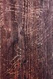 Skrapad Wood staketplanka med fnurror royaltyfri bild