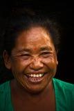 Skratta den nepalesiska kvinnan, Durbar fyrkant, Katmandu, Nepal Royaltyfri Foto