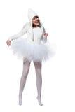 Skratta den tonårs- flickan i dräkt av den vita ängeln Arkivfoto