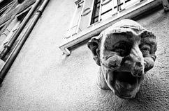 Skratta framsidaskulptur, Luxembourg arkivfoto
