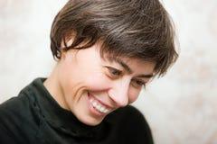 skratta kvinna Arkivfoton