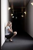 skriande kvinna för affär Royaltyfri Foto