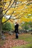 skriande kvinna för kyrkogård Arkivbild