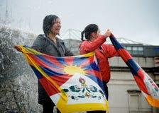 skriande tibettan kvinnor Fotografering för Bildbyråer