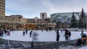 Skridskoåkningtimelapse, olympisk Plaza, Calgary stock video