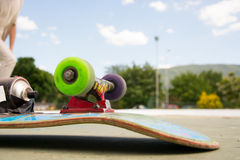 Skridskoskateboarden på skridskon parkerar Royaltyfria Bilder