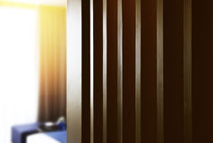 Skriv in in i hotellrummet royaltyfria foton