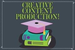 Skriva anmärkningen som visar idérik nöjd produktion Affärsfoto som ställer ut framkallning och att skapa som är visuellt eller s royaltyfri illustrationer