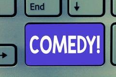 Skriva anmärkningen som visar komedi Affärsfotoet som ställer ut yrkesmässiga underhållningskämt, skissar gör åhörareskratt arkivfoton
