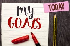 Skriva anmärkningen som visar mina mål Affärsfoto som ställer ut writen för vision för mål för plan för karriär för beslutsamhet  Arkivbilder
