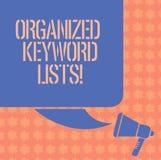 Skriva anmärkningen som visar organiserade nyckelordlistor Affärsfoto som ställer ut ta listan av nyckelord och att förlägga dem  stock illustrationer