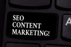 Skriva anmärkningen som visar Seo Content Marketing Affärsfoto som ställer ut publikationen av material som planläggs för att frä arkivfoto