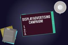 Skriva anmärkningen som visar skärmreklamkampanjen Att ställa ut för affärsfoto framför ett kommersiellt meddelande genom att anv royaltyfri illustrationer