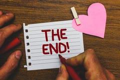 Skriva anmärkningen som visar slutet Motivational appell Affärsfoto som ställer ut avslutning av tid för något avsluta av den lil arkivbild