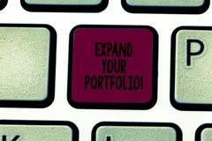 Skriva anmärkningsvisning utvidga din portfölj Att ställa ut för affärsfoto definierar det nya företaget som s är mål och framgån royaltyfri fotografi