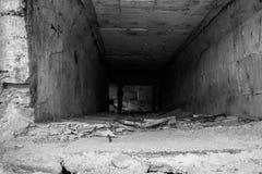 Skriva in den övergav tunnelen royaltyfria foton