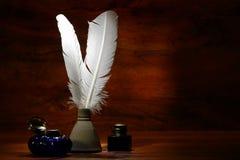 skriva för quills för antika fjäderbläckhornar gammalt Royaltyfria Foton